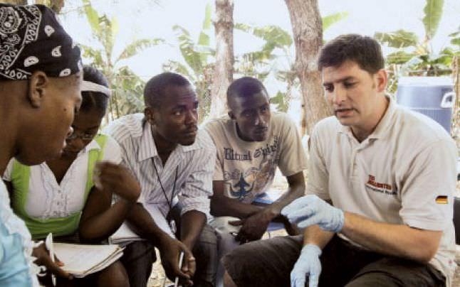 Specialisti in protezare in misiuni umanitare