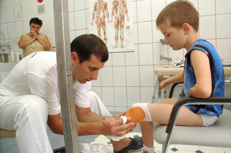 Darius si proteza noua de picior